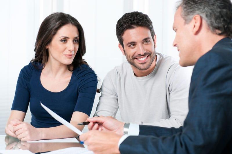 Beratungsgespräch von Experten Kredite
